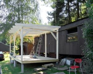 Dřevěná veranda 10 x 3 m k maringotce - Prachatice  1